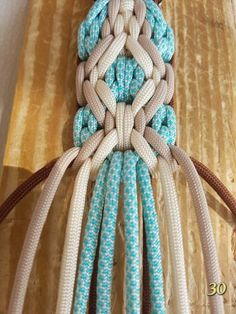 Paracord: The Ultimate Survival Tool - Way Outdoors Paracord Belt, Paracord Braids, Swiss Paracord, Paracord Bracelets, Paracord Weaves, Knot Bracelets, Survival Bracelets, Paracord Tutorial, Macrame Tutorial