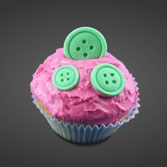 selber gemachter Quark-muffin  http://www.sillimolds.de/silikonform-knoepfe.html