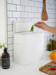 ニオイを漏らさず快適な空間を。お洒落でスマートな『密閉ダストボックス 』 | folk Kitchen Interior, Cleaning, Deco, Zbrush, House, Drink, Beverage, Deko, Dekoration