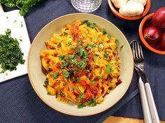 Pasta med snabb paprikasås (kock Paolo Roberto) Rigatoni, Risotto, Vegetarian Recipes, Spaghetti, Pasta, Ethnic Recipes, Vegan Food, Foods, Youtube