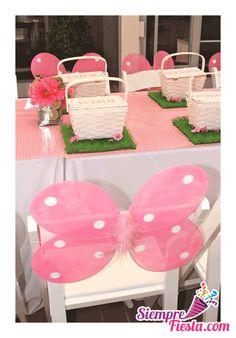 Increíbles ideas para una fiesta de cumpleaños de Mariposas y Flores. Encuentra todos los artículos para tu fiesta en nuestra tienda en línea: http://www.siemprefiesta.com/fiestas-infantiles/ninas/articulos-mariposas-y-flores.html?utm_source=Pinterest&utm_medium=Pin&utm_campaign=Mariposas