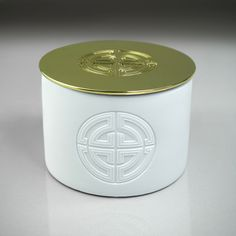 CALIQ Large 3 Wick Candle Front Logo FUSION Collection. Weight 700 g
