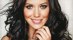 A morena Júlia Doorman, do blog Cabelos de Rainha, apresenta sempre dicas surpreendentes de beleza n...