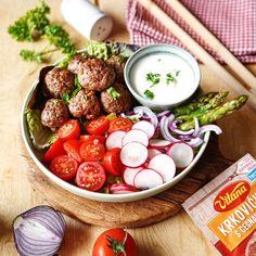 Z týchto mäsových guľôčok sa určite nezaguľatíte. Pokojne si pochuťte a môžete skočiť hneď do plaviek. ☀️ 😎 Vegetables, Food, Meal, Eten, Vegetable Recipes, Meals, Veggies