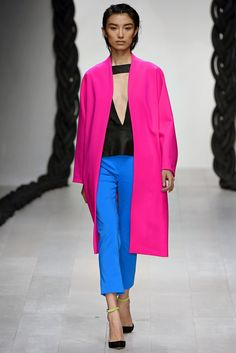 See the complete Osman Spring 2013 Ready-to-Wear collection.