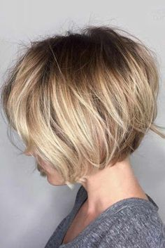 Short Hairstyles: 14 Trends Bob Hairstyles and Haircuts in 2019 Kurze Frisuren: 14 Trends Bob Frisur Blonde Bob Hairstyles, Medium Bob Hairstyles, Selena Gomez Blonde Haare, Hair Cute, Ombre Bob, Short Ombre, Blonder Bob, Cute Short Haircuts, Bob Haircuts
