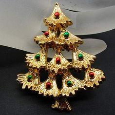 JJ Christmas Tree Pin #4