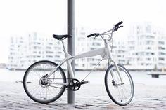 #Biomega BOS Boston  con 8 velocidades y correa de carbono en color Pearl WHite #avantumbikes