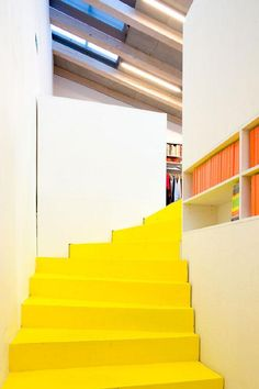 archello - Projektil studio - love the yellow stairs