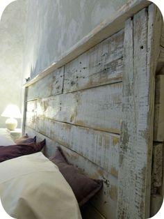Lit double en chêne FLYER by Domus Arte - Diy kopfteil King Headboard, Wood Headboard, Home Decor Bedroom, Bedroom Furniture, Dyi Headboards, Camas King, Smart Tiles, Wood Plans, Diy Bed