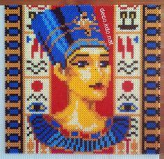 Nefertiti portrait - Egyptian hama perler art by deco.kdo.nat