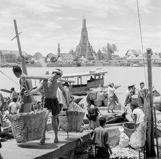 Tha Tien, Bangkok .1956 Image Source: Horace Bristol, Corbis Corporation, United States | via:  77PPP on facebook