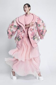haute couture fashion Archives - Best Fashion Tips Fashion Details, Look Fashion, Teen Fashion, Fashion Art, High Fashion, Fashion Outfits, Womens Fashion, Fashion Design, Couture Mode