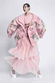 haute couture fashion Archives - Best Fashion Tips Fashion Details, Look Fashion, Teen Fashion, Fashion Art, High Fashion, Fashion Beauty, Fashion Outfits, Womens Fashion, Fashion Design
