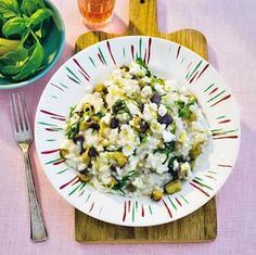 One of our success recipes: egg plant risotto with goat cheese and basil Italian Dishes, Meatless Monday, Basel, International Recipes, Goat Cheese, Eggplant, Risotto, Potato Salad, Good Food