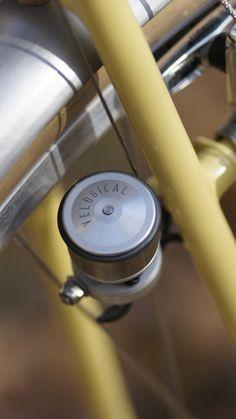 Butter yellow city bike - Chapman Cycles