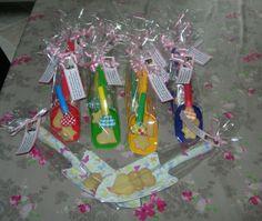 Schepjes met zelfgebakken zandkoekjes en de tekst: Ik wil niet opscheppen maar... Ik ben bijna 4 jaar en ga naar de basisschool