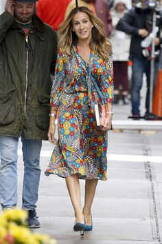 Sarah Jessica Parker from The Big Picture: Today's Hot Photos Behind the scenes! The actress is seen on set of Divorce at NYU in New York City.