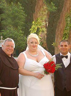 White Diamonds Plus Size Wedding Gown, Igigi, up to US Plus Size Wedding Gowns, Wedding Dresses, Full Figured Women, White Diamonds, Plus Size Outfits, Bridal Gowns, Connection, Curvy, Portraits