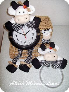 My Grandma would love this :( Foam Crafts, Arts And Crafts, Diy Crafts, Felt Fabric, Fabric Dolls, Cow Craft, Cow House, Cow Kitchen, Cute Clay