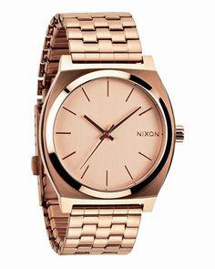 NIXON, €100,-