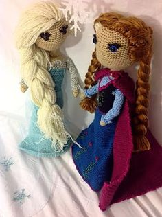 Etsy crochet patterns for a beautiful Disney Frozen Anna doll and her sister Elsa. Anna Frozen, Elsa And Anna Dolls, Anna Und Elsa, Crochet Doll Pattern, Crochet Dolls, Crochet Patterns, Crochet Motif, Frozen Pattern, Frozen Crochet