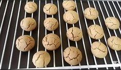 Lezzetinden çatlamış hafif pembe rengiyle mutfağınıza yayılan mis gibi tahinli kurabiye kokusu sevdiklerinizi size doğru çekmeye başlayacaktır.Bunu daha önceden yaşadığınızı biliyoruz.Yaşamak istey…