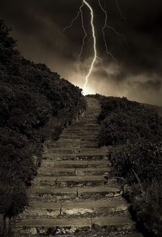 Beautiful Pictures that will Leave you Breathless - Arthur's Steps in Edinburgh, Scotland