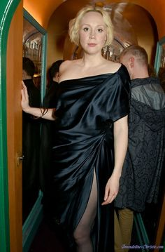 Lady Brienne, Gwendolyn Christie, Game Of Thrones, Beautiful People, Beautiful Women, Jaime Lannister, Warrior Queen, English Actresses, Long Skirts