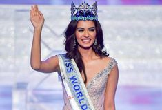 Manushi Chhillar is a famous Indian model and winner of the Miss World 2017 pageant and she belongs to a Jat family. Indian Fashion Designers, Indian Designer Outfits, Indian Outfits, Indian Clothes, Miss Mondo, Miss India, Ethereal Beauty, Miss World, Indian Models