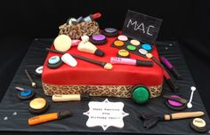 MAC makeup cake ! Sweet Samantha