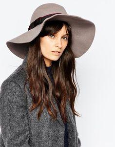 Cappello donna con falda floscia e ampia