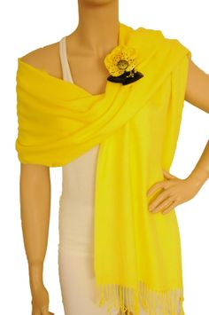 Yellow Shawl Brooch Pin Pashmina Wrap Wedding by StylishShirts, $15.00 | brooch pin, yellow ve shawl hakkında daha fazlasını görün.
