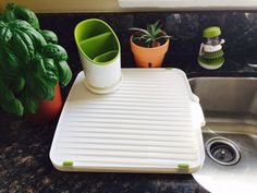Review of JosephJoseph sink accessories Sink Accessories, Joseph Joseph, Home Gadgets, Simple Way, Feng Shui, Kitchenware, Plastic Cutting Board, Kitchens, Nice