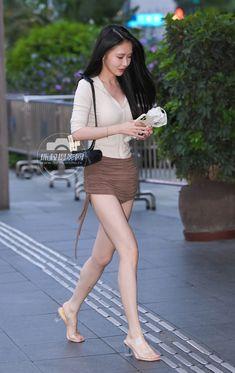 Street Styles, Chic, Fashion, Shabby Chic, Moda, Elegant, Fashion Styles, Street Style, Fashion Illustrations