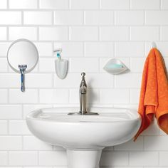 Organize your shower with Command™ Brand's bath products. They hold strong in wet/humid conditions on a variety of surfaces. Application and removal are fuss-free, no nails or screws required. Small Office Organization, Under Sink Organization, Linen Closet Organization, Bathroom Organisation, Organization Ideas, Space Saving Bathroom, Small Space Bathroom, Small Bathroom Storage, Shared Bathroom
