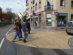 Strasbourg (France): increasing awareness with different types of road markings