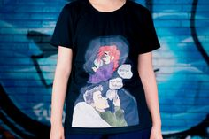 Painted t-shirt for women and girls, available in black color, L size.