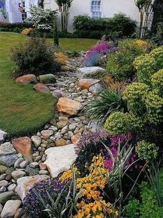 Gorgeous 75 Gorgeous Dry River Backyard Landscaping Ideas on Budget https://homearchite.com/2017/07/06/75-gorgeous-dry-river-creek-bed-design-ideas-budget/