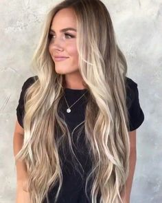 These balayage short hair are fab. These balayage short hair are fab. Brown Ombre Hair, Ombre Hair Color, Long Ombre Hair, Bronde Hair, Blonde Balayage Long Hair, Long Blond Hair, Long Blonde Hairstyles, Balyage Long Hair, Beachy Blonde Hair