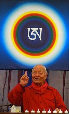 """La particularidad de la Enseñanza Dzogchen es la trasmisión directa o """"introducción directa"""" en la cual el maestro y el estudiante se encuentran en el estado primordial en el mismo momento a través de las experiencias de cuerpo, voz o mente. #Dzogchen #RanchoNaranjos"""