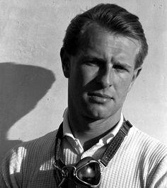 Peter Collins  (1931-1958)  Royaume-Uni  Disparu le 3 août 1958 lors de la course du Grand Prix automobile d'Allemagne au Nurburgring de 1958