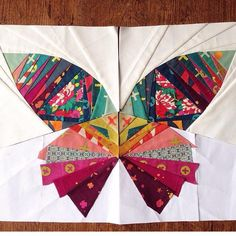 Take Wing with This Paper Pieced Butterfly - Quilting Digest So I recently took up paper piecing thinking it would be easy. Boy was I wrong. I cannot wrap my mind around it and I don't know why. I still stare at this beauty all of the time by I love the w Colchas Quilt, Paper Quilt, Applique Quilts, Patchwork Quilting, Crazy Quilting, Paper Pieced Quilts, Wool Quilts, Art Quilting, Scrappy Quilts