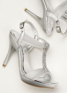 Just a bit of sparkle to finish off your prom style.