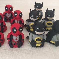 Trufas modeladas Batman e Deadpool. E vamos de super heróis. #benditosbrigadeiros #doces #docesdecorados ...