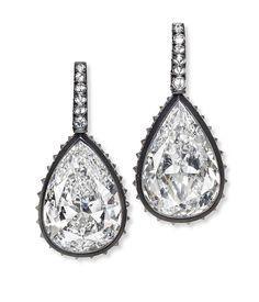 GABRIELLE'S AMAZING FANTASY CLOSET   Important Pear-Cut Diamond Drop Earrings set in Blackened Gold