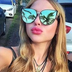 2017 Luxury Sunglasses Women Fashion Retro Brand Designer Sun Glasses For Ladies Mirror Shades Lens Female Vintage Oculos Flat Top Sunglasses, Cute Sunglasses, Luxury Sunglasses, Cat Eye Sunglasses, Mirrored Sunglasses, Sunglasses Women, Womens Glasses, Women Brands, Women's Accessories