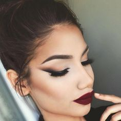 """All Matte Everything @makeupbyalinna is serving up Fall perfection using the…"