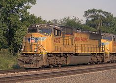 Pin by bradford electric 39 s history on pg locomotive for General motors parts division