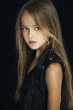 #KristinaPimenova #russia #beauty #beautiful #kid #kids #blondehair #BluEye #blue #eye #sweet #vogue #voguekids #model #childmodel